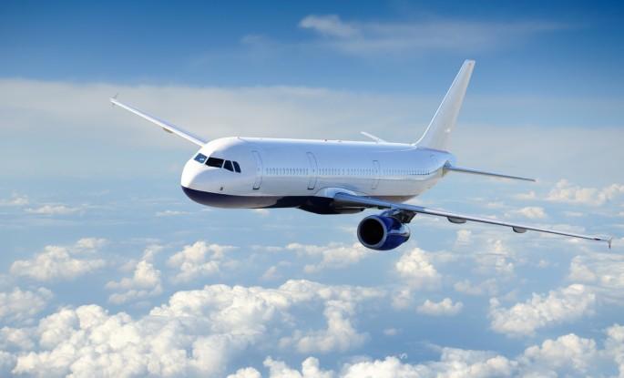 Udhëtime me aeroplan anë e mbanë botës