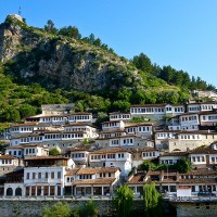 Berat_city_of_the_thousand_windows_1.jpg